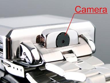 腕で、16時間も動画保存? ビデオカメラ×腕時計×MP4プレーヤー