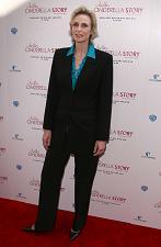 【イタすぎるセレブ達・番外編】「同性愛者を特別視されたくない。」女優ジェーン・リンチついに「彼女」とゴールイン。