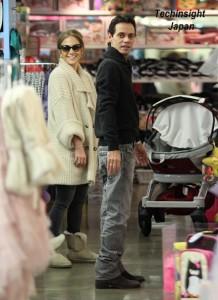 【イタすぎるセレブ達】ジェニファー・ロペス夫妻、人気キッズ・ショップで54万円のお買い物。