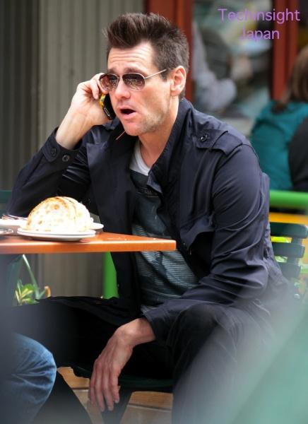 モヒカンヘアでチンピラ風の俳優ジム・キャリー
