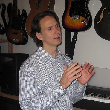 音楽中級者がつまずくポイント「音感」。音楽歴30年・来日20年のアメリカ人社長が日本人にモノ申す。
