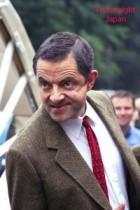 【イタすぎるセレブ達・番外編】Mr.ビーン危機一髪!英俳優ローワン・アトキンソンがスポーツカーで木に激突。車は大破、炎上するも奇跡的に生還!