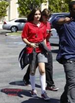 【イタすぎるセレブ達】故マイケル・ジャクソンの忘れ形見パリスちゃん、学校のフットボールチームに女子生徒としては初加入したことで、思わぬ方面からお誘いが!