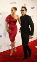 【イタすぎるセレブ達】ジェニファー・ロペスとマーク・アンソニーが仲良く登場。TV番組のプロモーション活動をこなす。