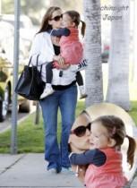 【イタすぎるセレブ達】ベン・アフレックとジェニファー・ガーナー夫妻の次女が超かわいくなってきた!