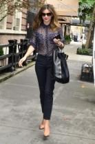 【イタすぎるセレブ達】オーリー仕事頑張って! 透け透けブラウスで街を歩くモデル妻ミランダ・カーとは大丈夫?