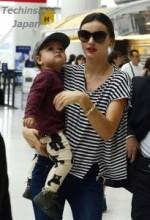 【イタすぎるセレブ達】ミランダ・カーの息子フリン君は1歳半でこんなにも大きい。抱っこするママも重そう…。