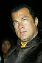 【イタすぎるセレブ達】アクション俳優スティーヴン・セガール、2600万円の税滞納を指摘されプライドずたずた。