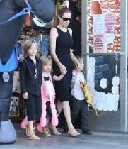 【イタすぎるセレブ達】アンジェリーナ・ジョリーが衝撃発言。「子供達がティーンになったら女優は辞めるかも。」