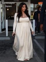 【イタすぎるセレブ達】ギリシャ神話の女神さながら。キム・カーダシアンが激太りにエンパイアライン・ドレス!