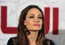【イタすぎるセレブ達】イケメン俳優イーサン・ホーク、「アンジェリーナ・ジョリーは男をメロメロにする女性」と大絶賛。