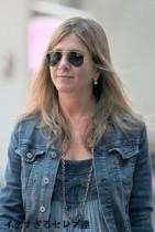 【イタすぎるセレブ達】「ジェニファー・アニストンは婚約者共々ヌーディスト」。珍報道にジェンが言及。