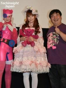 左から武田梨奈、中川翔子、井口昇監督