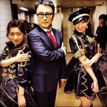 """【エンタがビタミン♪】FNS歌謡祭""""三谷幸喜×AKB48""""のコラボに「放送事故」「破壊力抜群」の声。"""