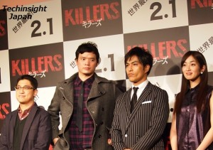 映画『KILLERS/キラーズ』の記者会見にて。モー・ブラザーズ監督の2人と北村一輝、高梨臨。
