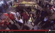 【アフリカ発!Breaking News】マンデラ氏に捧げる追悼ソング。ゴスペルグループのパフォーマンスに感動。(南ア)<動画あり>
