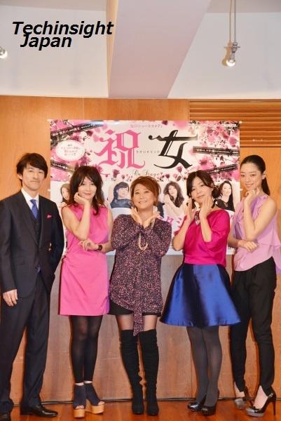 記者会見に登壇した出演者。左から内村宏幸(演出・脚本)、YOU、友近、大久保佳代子、市川実和子