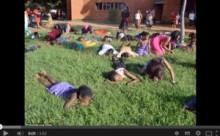 【アフリカ発!Breaking News】新カルト集団? 「神に近づけ」と雑草を食べさせ、教祖が体を踏みつける。(南ア)