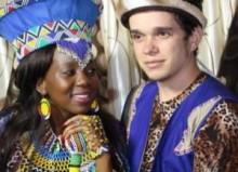 【アフリカ発!Breaking News】フランス人男性と結婚したズールー族の美女。新郎から牛10頭のプレゼント。(南ア)