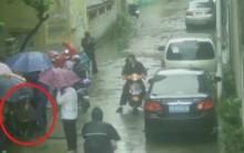 【アジア発!Breaking News】借金返済を迫られた男、殺害目的でカノジョをマンホールに落とす。(中国)