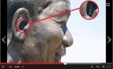 【アフリカ発!Breaking News】ネルソン・マンデラ像の耳の中のウサギを、動物愛護団体が譲り受けたいと申し出。(南ア)