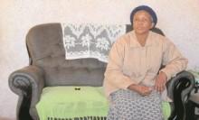 【アフリカ発!Breaking News】マンデラ元大統領に激似の女性、実子と認めてもらうため再び立ち上がる。(南ア)