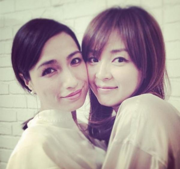 【エンタがビタミン♪】佐田真由美とSHIHOの密着ツーショットが可愛すぎる。「あたしの永遠のタイプ」
