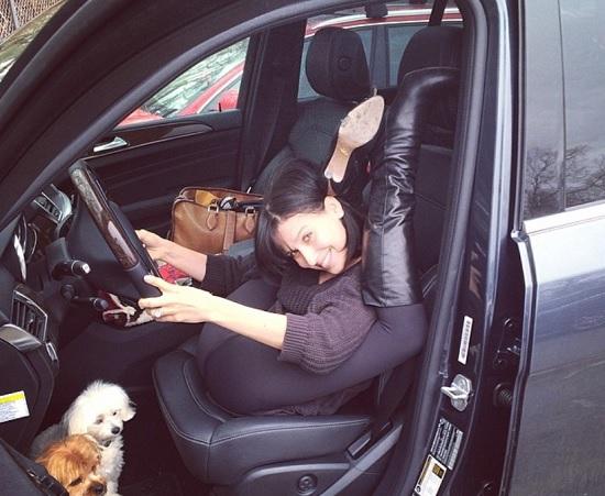 これで運転したらビックリ(画像はinstagram.com/hilariabaldwinより)