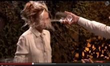 【イタすぎるセレブ達】リンジー・ローハン、人気司会者に水を豪快にぶっかけられる。<動画あり>