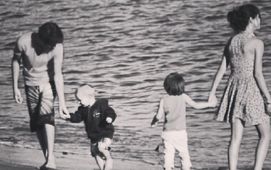 ジャスティンが公開したセレーナとの熱愛ショット(画像はinstagram.com/justinbieberより)