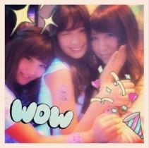 """【エンタがビタミン♪】AKB48の1期生""""HHH""""が再会。こじはるの投稿にファン歓喜「レアな写真!」"""