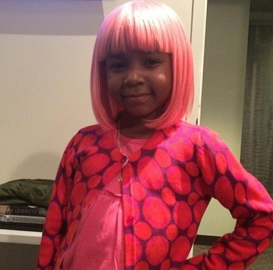 【イタすぎるセレブ達】ニッキー・ミナージュのウィッグをかぶりたい! がん闘病少女の夢が叶う。