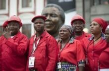 【アフリカ発!Breaking News】国会初登庁に、真っ赤な服装で現れた左翼新党の議員たち。(南ア)