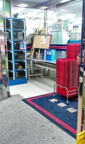 【アジア発!Breaking News】へその緒がついたままの赤ちゃん、スーパーに置き去りにされる。(台湾)