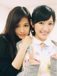 """【エンタがビタミン♪】AKB48・渡辺麻友と前田敦子の""""新旧女王""""ツーショットに海外からも反響。"""