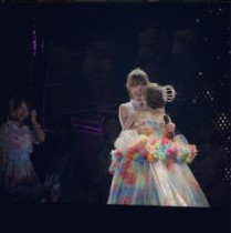 """【エンタがビタミン♪】小嶋陽菜の""""AKB48卒業時期""""はどうなる。同期・峯岸は年内と予測していた。"""