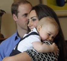 【イタすぎるセレブ達】英ジョージ王子、父ウィリアム王子のポロ慈善試合を観戦。