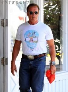 シュワルツェネッガー、なぜこのTシャツを?