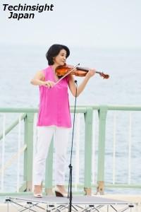 『オーシャン・ブルー~ORCA~』を生演奏した高嶋ちさ子