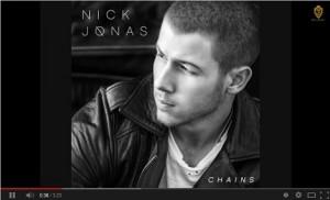 【イタすぎるセレブ達】「ジョナス・ブラザーズ」のニックが曲を発表、抜群の歌唱力が評判に。