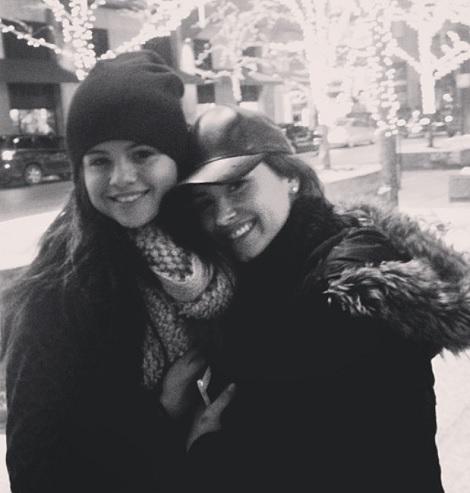 親友同士だったセレーナとデミ (画像はinstagram.com/selenagomezより)