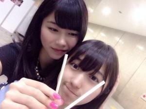 """【エンタがビタミン♪】AKB48・横山由依""""私の子供にしたいランキング""""1位に大島涼花。母性溢れる眼差しに反響。"""