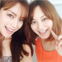 【エンタがビタミン♪】蛯原英里、姉とのツーショットを公開! 美しすぎる姉妹に驚き。