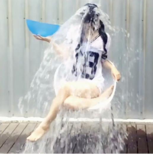 """【エンタがビタミン♪】蒼井そらが""""ALSアイスバケツチャレンジ""""で次を指名せず。「強制力が強い気がする」"""