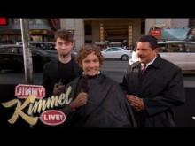 【イタすぎるセレブ達】ダニエル・ラドクリフ、一般人男性の頭をバリカンで刈る。<動画あり>