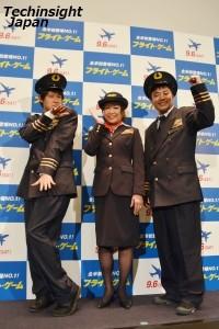 制服姿が似合う3人!? 左から篠宮暁、堀ちえみ、高松新一