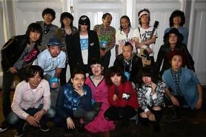 """【エンタがビタミン♪】ハマ・オカモトが""""レアな1枚""""を投稿。日本のロックミュージシャン17人が集結。"""