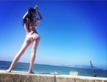 【エンタがビタミン♪】蒼井そらがビキニ姿。沖縄の海をバックに抜群のスタイルを披露。