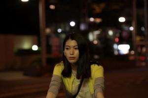 超聴覚力を持つ沙耶役を演じる成海璃子(C)2015「ストレイヤーズ・クロニクル」製作委員会