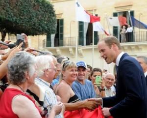 【イタすぎるセレブ達】英ウィリアム王子、ツワリの妻に代わってマルタ訪問。ジョークも冴えわたる。